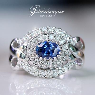 [023857] Blue Sapphire with diamond ring Discount 45,000