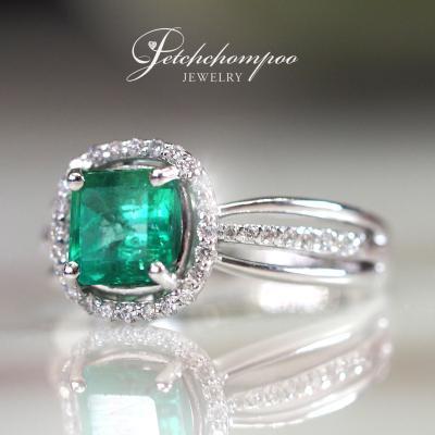 [25676] แหวนมรกตโคลัมเบียล้อมเพชร  59,000