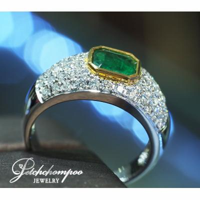 [023827] Emerald with diamond ring Discount 39,000