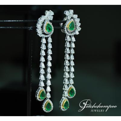 [024038] Emerald and diamond Earring Discount 189,000