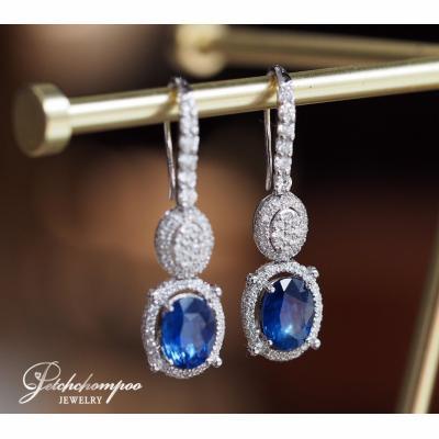 [023617] Blue sapphire with diamond earring Discount 89,000