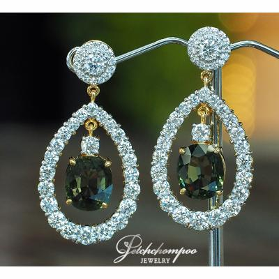 [022831] Green Sapphire With Diamond Earring Discount 259,000