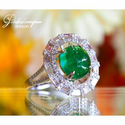 [022434] 3.25 Carat Zambia Emerald With Diamond Ring Discount 93,000