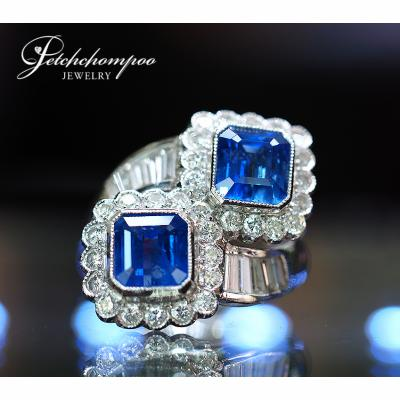 [022615] Blue Sapphire with Diamond Cross Over Ring Discount 129,000