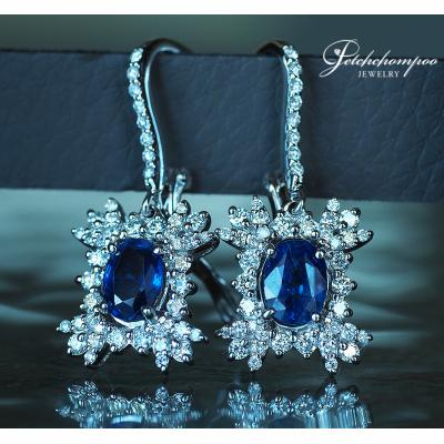 [023981] Blue sapphire with diamond earring Discount 69,000