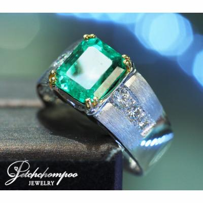 [023831] Columbia emerald with diamond ring Discount 69,000